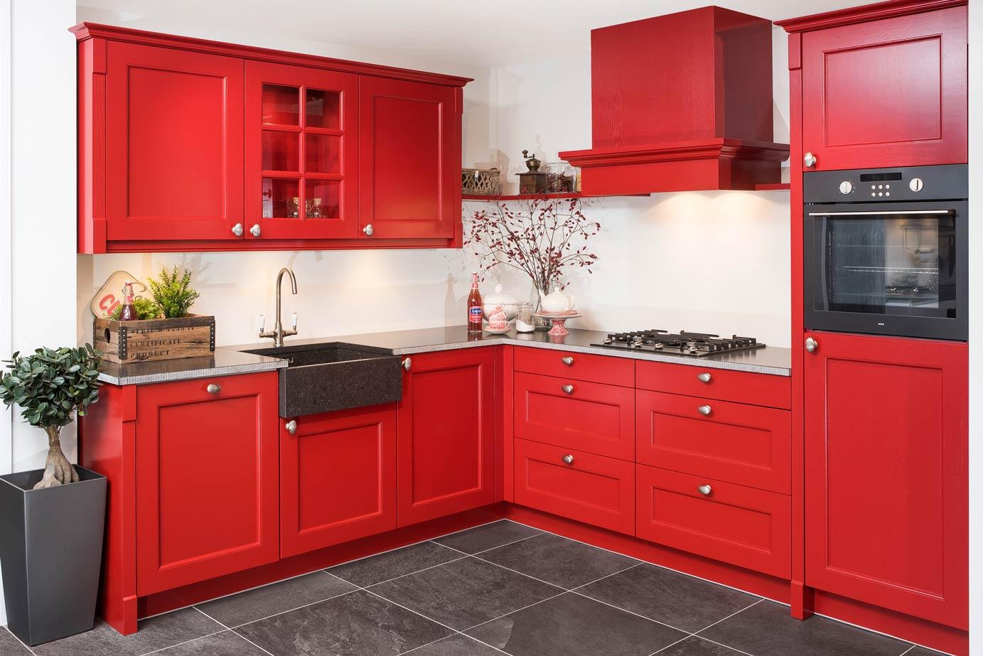 Landelijk Kleuren Keuken : Klassieke keukens beleef je bij keukenhuiz in de westereen friesland