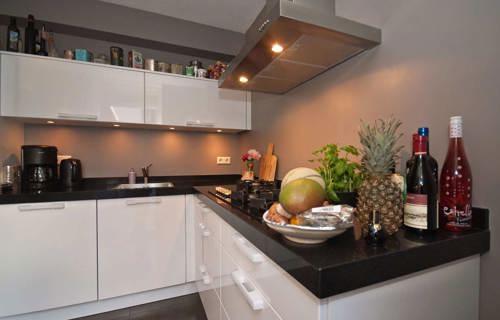 Witte Keuken Donker Werkblad : Witte keuken donker werkblad