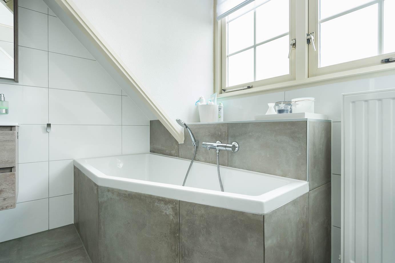 een grote variatie badkamers en keukens  brugmannl